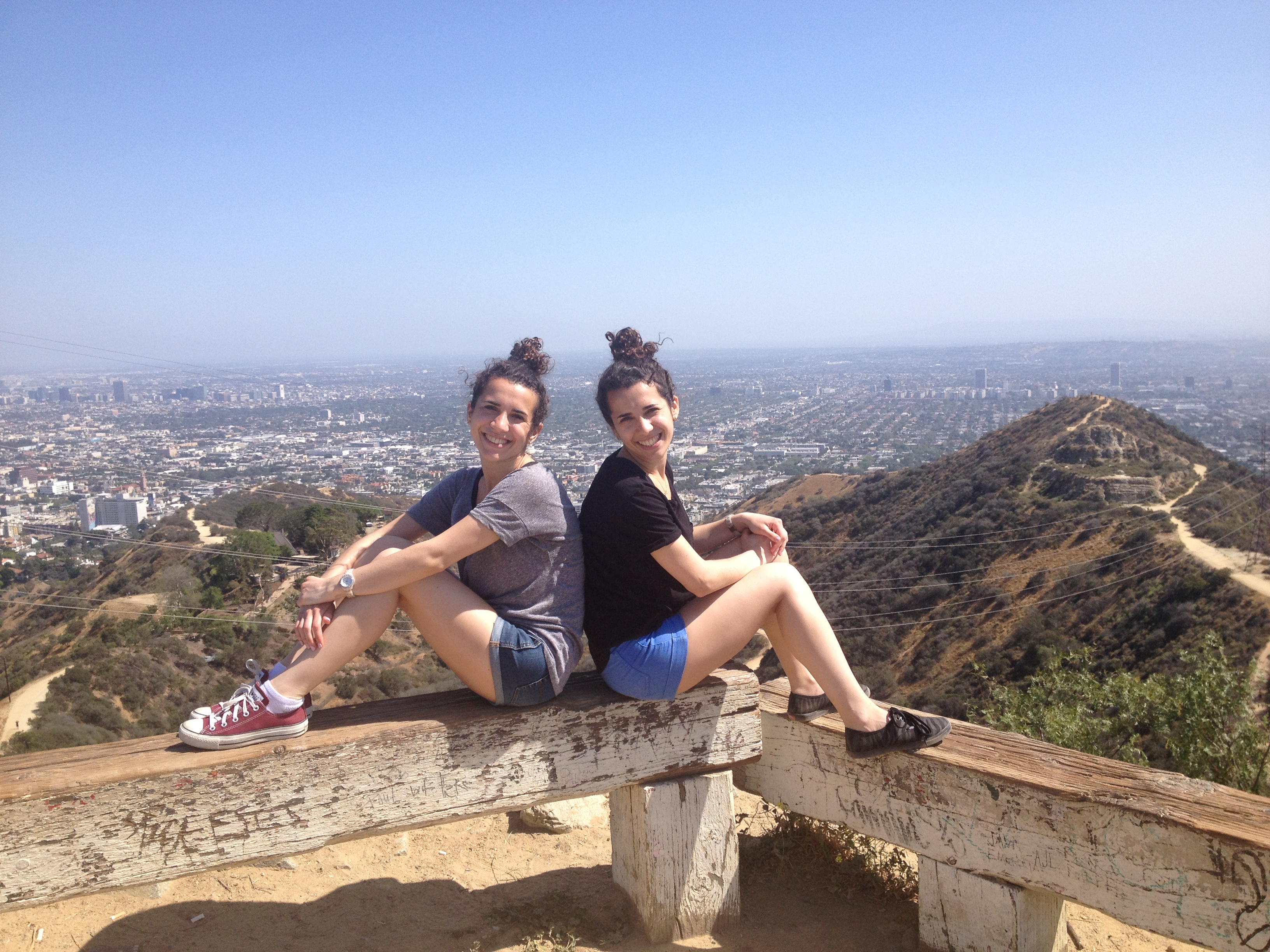 Lindsey and Alison Schwartz in Runyon Canyon, Los Angeles