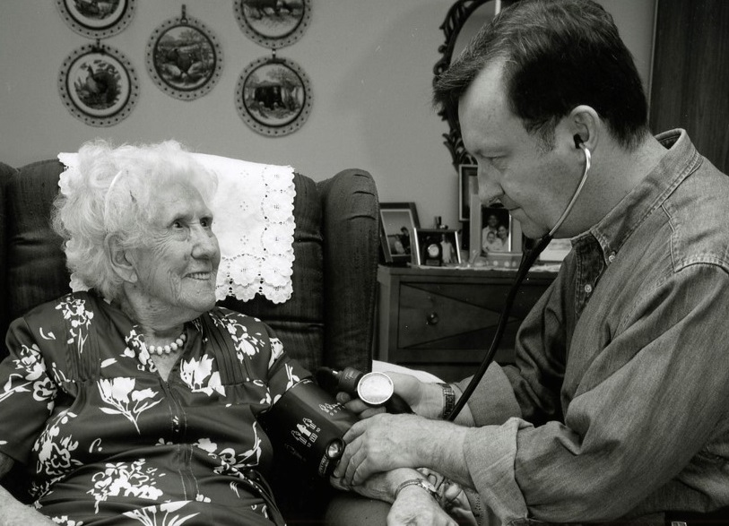 Mrs. Betty J., age 100, at home with Dr. Mark Nowaczynski